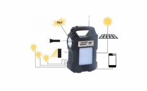 Kit cu panou solar, lanterna, radio FM, MP3, USB, 3 becuri - GD Plus - GD8060
