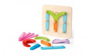 Joc de creatie Montessori cu placa