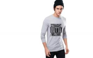 Bluza barbati gri cu text negru - Straight Outta Militari