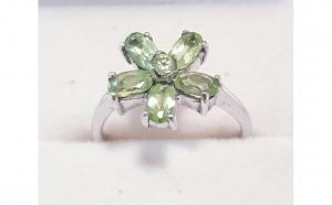 Inel din Argint cu Peridote in forma de floare, marimea 54 (14)