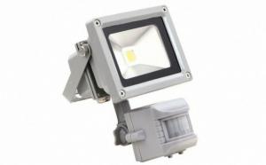 Proiector LED 10W cu senzor miscare, pentru exterior si interior la doar 59 RON