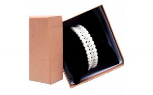 Bratara eleganta cu pietricele si perle