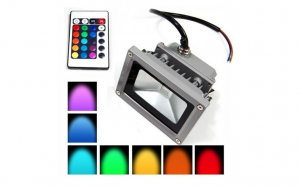 Proiector LED 30W RGB cu telecomanda pentru interior/ exterior, la doar 169 RON in loc de 363 RON! Garantie 12 luni!