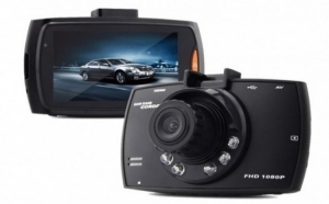 Camera auto HD cu inflarosu - foto-video, senzor miscare, zoom digital 4x, HDMI, ecran 2.7inch