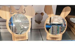 Oglinda din lemn - Cap de ursulet
