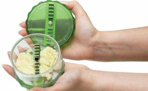 Tocator de usturoi Garlic Pro