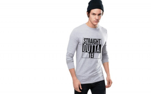Bluza barbati gri cu text negru - Straight Outta Tei