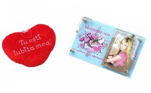 Simplu, inedit si pe gusturile oricarei persoane! De Valentine`s Day va oferim Rama foto cu ceas + inimioare de plus pentru EL/EA + Punga cadou GRATIS, redus la 39 RON de la 89 RON