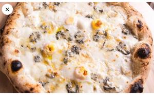 Pizza Quattro Formaggi con Pere