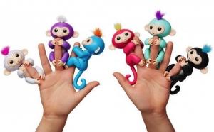 Maimutica inteligenta Happy Monkey - rade, sforaie si se alinta