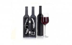 Set accesorii pentru vin in forma de sticla