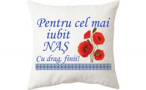 Perna personalizata patrata alba, model ,     Pentru cel mai iubit nas,     , poliester, 40     40 cm