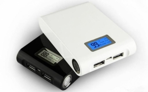 Baterie externa 12000 mAh cu display, 2 iesiri USB, la doar 63 RON in loc de 205 RON