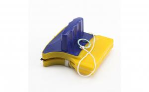 Dispozitiv magnetic de curatat geamuri