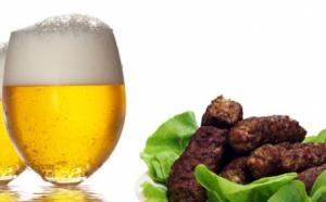 Platou 5 mici, paine, mustar + 10% reducere la bere, la doar 10 RON in loc de 21 RON!