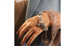 Bratara Charm Vintage Crown - placata cu argint