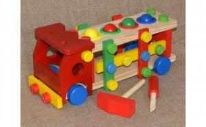 Camion din lemn + 6 accesorii, Ziua copilului, Jucarii de lemn