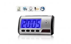 Ceas de masa, cu camera video spion si senzor de miscare + telecomanda
