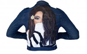 Jacheta de blugi, pictata manual