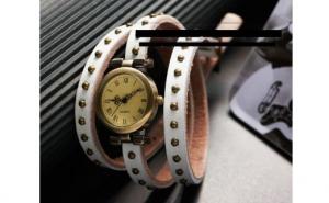 Doua ceasuri 3 in 1: ceas, pandantiv si bratara din piele naturala la doar 59 RON in loc de 139 RON