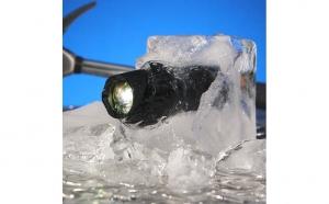 Lanterna Profesionala LED cu lupa si zoom, rezistenta la apa, Tac Light, lumina pana la 9KM, la doar 38 RON in loc de 200 RON