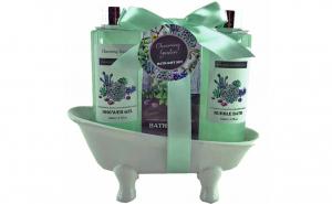 Set cadou in cadita ceramica alba cu 3 produse cu aroma fructul pasiunii si maracuja