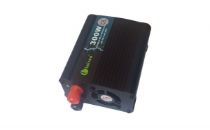 Invertor tensiune 12V-220V Lairun, 300 W, putere continua 275 W