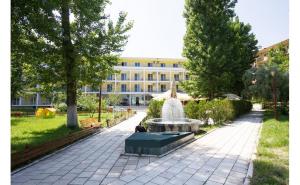 Hotel Central 3*, Paste & 1 mai 2019