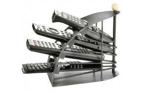 Organizator de telecomenzi cu 4 rafturi, la doar 39 RON in loc de 82 RON