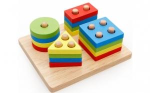 Joc sortator - cu 4 forme geometrice