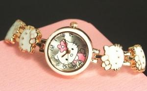 Ceas Little Hello Kitty, 1 Iunie