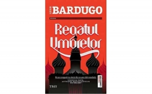 Regatul umbrelor, autor Leigh Bardugo