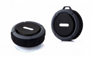 Boxa Wireless waterproof cu carabina, la doar 49 RON in loc de 99 RON
