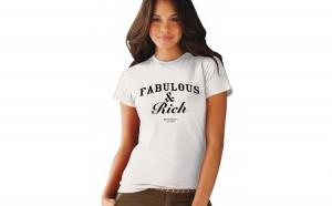 Tricou cu mesaj Fabulous & Rich - Alb la doar 75 RON in loc de 150 RON