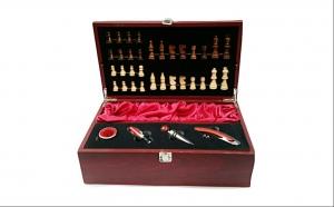 Cutie din lemn pentru sticla de vin, Dragobete, Decoratiuni