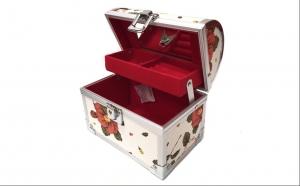 Cutie Vintage pentru bijuterii, Dragobete, Decoratiuni