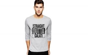 Bluza barbati gri cu text negru - Straight Outta Galati