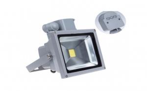 Proiector LED cu senzor de miscare