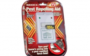 Scapa de soareci si daunatori! Pest Reppelling - dispozitiv cu ultrasunete anti-insecte si daunatori, redus la 22 RON in loc de 100 RON