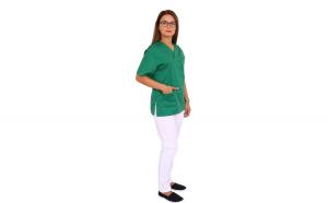 Costum medical verde cu alb, bluza verde cu anchior in forma V, trei buzunare aplicate si pantaloni albi cu elastic