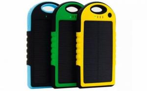 Baterie solara universala pentru telefon, tableta, 5000mAh, rezistenta la apa