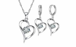 Set bijuterii: cercei + lantisor