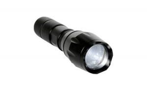 Lanterna tactica LED