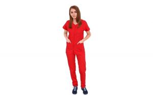 Costum medical rosu cu bluza cu fermoar cambrata, trei buzunare aplicate si pantaloni rosu cu elastic