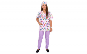 Costum medical Kitty, cu bluza cu imprimeu si pantaloni lila cu elastic