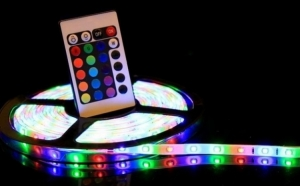 Banda RGB LED, cu telecomanda si joc de lumini multicolore Black Friday Romania 2017