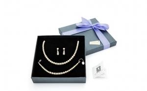 Set cristale Swarovski si perle, Produse romanesti