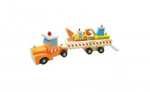 Tractor din lemn cu platforma