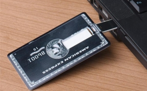 Stick USB 8Gb in forma de card bancar, la 39 RON in loc de 99 RON