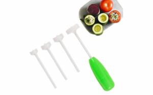 Dispozitiv pentru scobit legume si fruct
